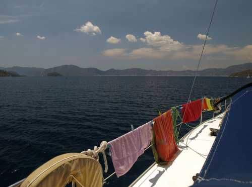 яхтинг в солнечной греции